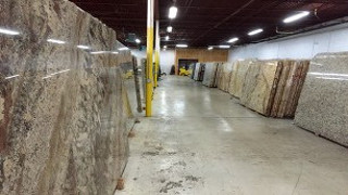 TOP-QUALITY GRANITE SLABS